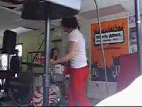 White Stripes - Ball & Biscuit  @ Burnaby Youth Ctr. mp3