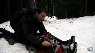 Backpacking a Broken Leg | Bear Grylls: Escape From Hell