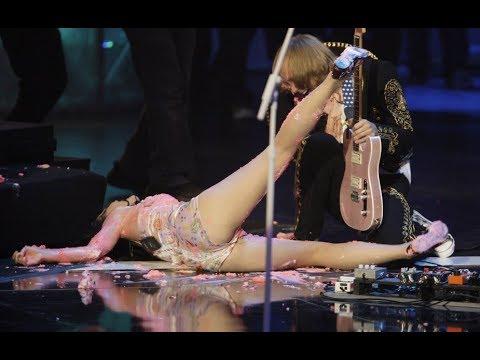Звезда упала на сцене / казусы на сцене / драки в студии