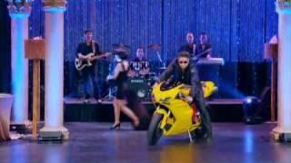 "Ryan & Hanson singing Chinese medley ""Xin Loi Em / Ngon Lua Tinh Yeu""!"