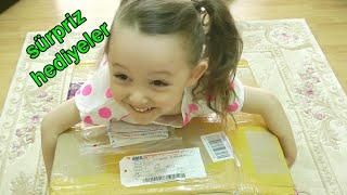 Sürpriz Hediye Paketleri Surprise Boxes - Emoji Yastıklar Dinazor Yumurtaları Piknik Sepeti