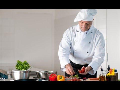 Clique e veja o vídeo Curso a Distância Básico de Cozinha
