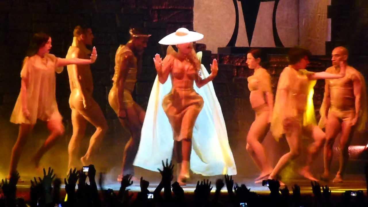 Lady Gaga Amen Fashion