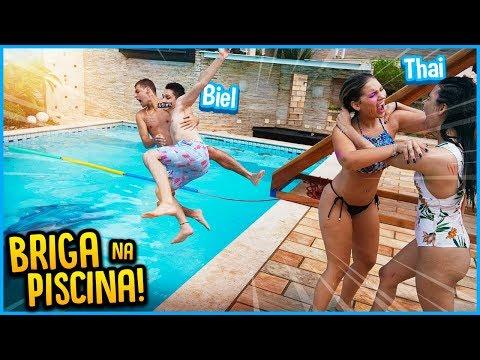 CASAL VS CASAL: BRIGA NA PISCINA!! [ REZENDE EVIL ]