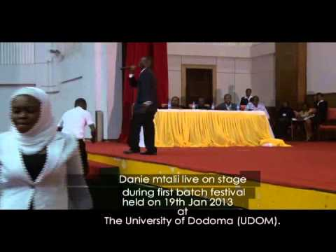 Danie Mtalii exclusive perfomance at the University of Dodoma(UDOM)
