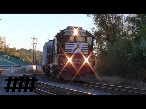 Two Norfolk Southern GP38-2s Pulling Mix Freight at Shikellamy Park (NS K21)