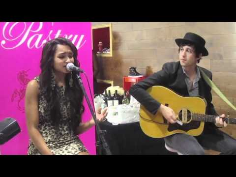 """M Exclusive: Jessica Jarrell """"Key To My Heart"""" Acoustic"""