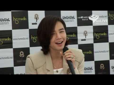 Jang Keun Suk - singing What should I do in HKFM press conference