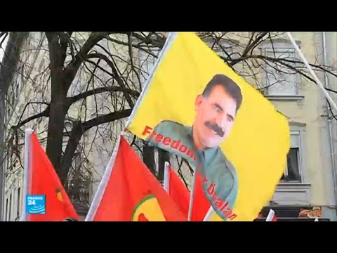 آلاف الأكراد يتظاهرون في ستراسبورغ للمطالبة بالإفراج عن عبد الله أوجلان  - 12:22-2018 / 2 / 19