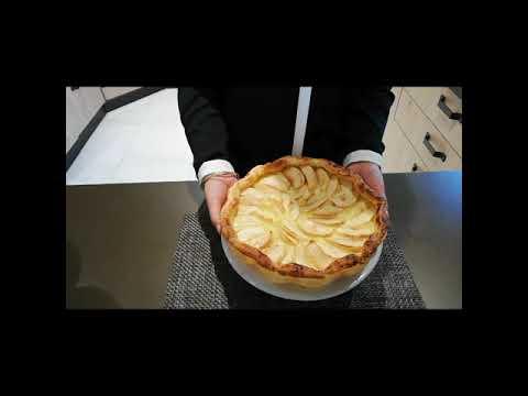 tarte-aux-pommes-à-la-crème-pâtissière-et-à-a-pâte-feuilleté