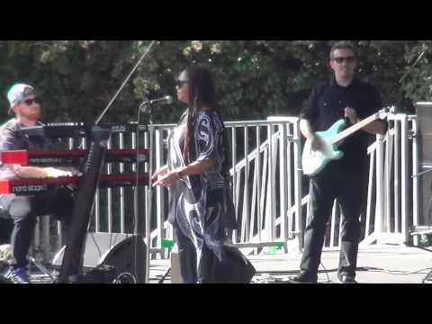 Lalah Hathaway in Oakland