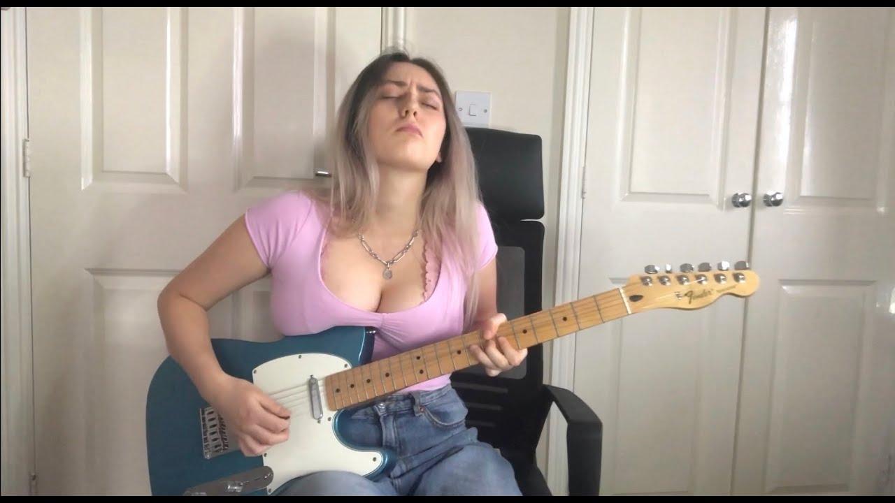 Download Mimi playing Albert King style guitar