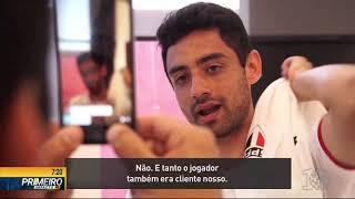 João Gimenez encontra celular de Cristiana Brites- - Primeiro Impacto PR (08/11/18)