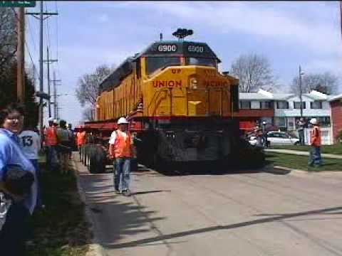 Union Pacific 6900 Being Moved to Kennefic Park