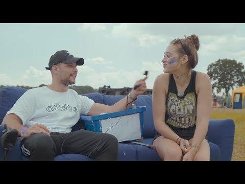 Fahrendes Sofa - Slavik Junge testet Hurricane Festival
