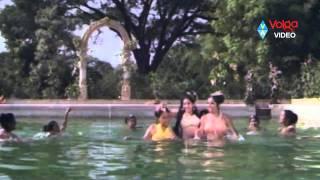 Repeat youtube video Deepa aka Unnimarry Very Rare & Hot Song