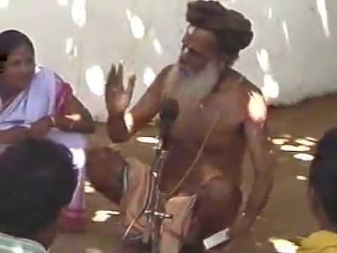 Baba Buddhanath Das singing under SwetaBata about Achyuta, Nama and Jagannath