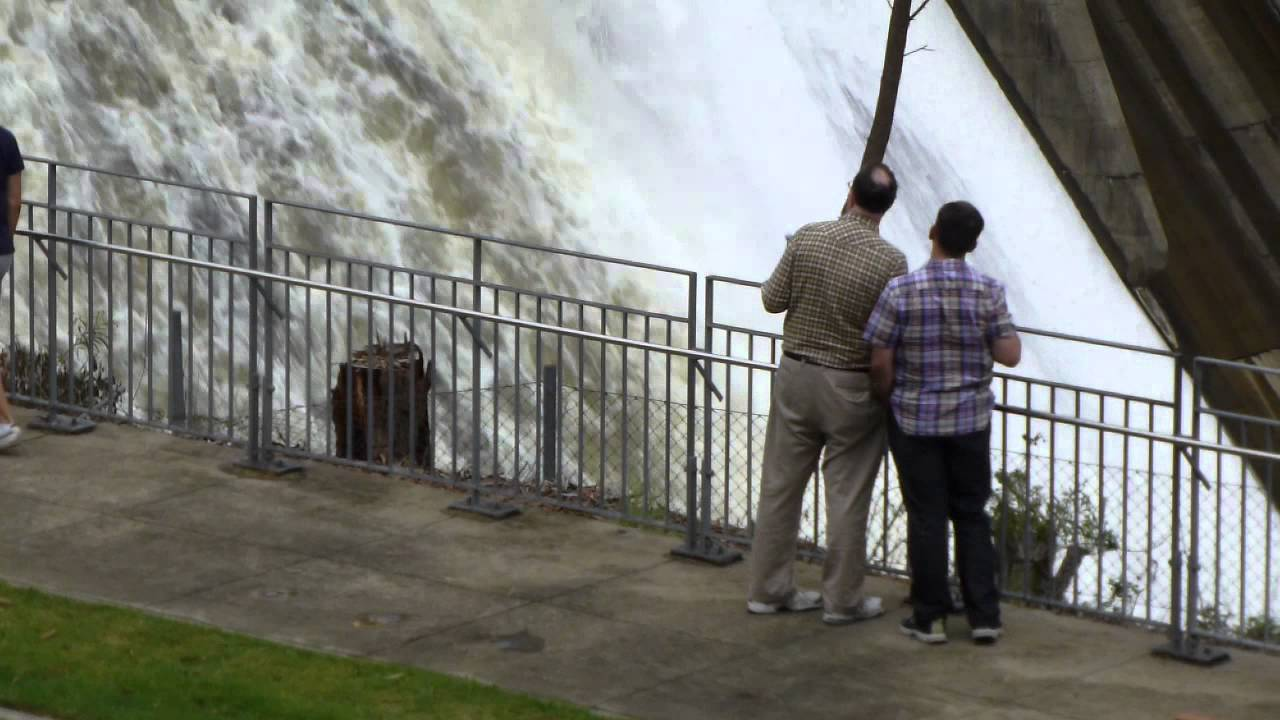 a report on the warragamba dam Sydney's warragamba dam spills for the first time since 2013, as resident's south of the city wait to return to their flood-affected homes.