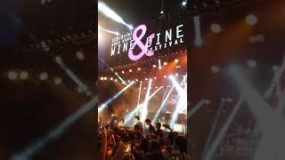 林奕匡  (Phil  Lam ) 現場彈琴唱-高山低谷@wine and dine festival 2017