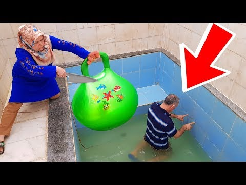 İn The Pool BALLOON in Slime PRANK! ONLY BALLOON SLİME hair KEREM'İN JOKE 1