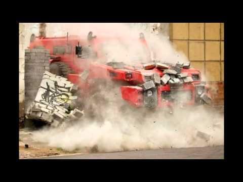 Видео: Самый прочный автомобиль в мире