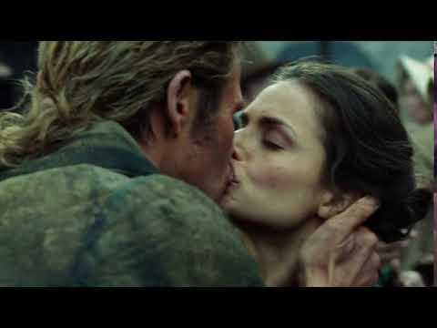 In the Heart of the Sea: Chris Hemsworth kissing Charlotte Riley