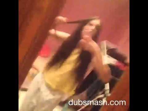 Fata care danseaza super
