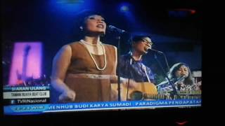 White shoes band live at tvri indonesian by : gabrieL jambi | Astra Jagostu