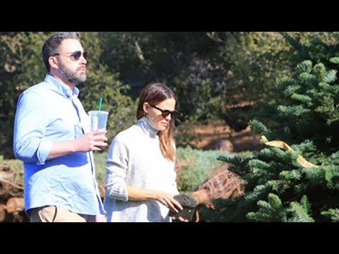 Ben Affleck And Jennifer Garner Shop For Christmas Trees With Their Children
