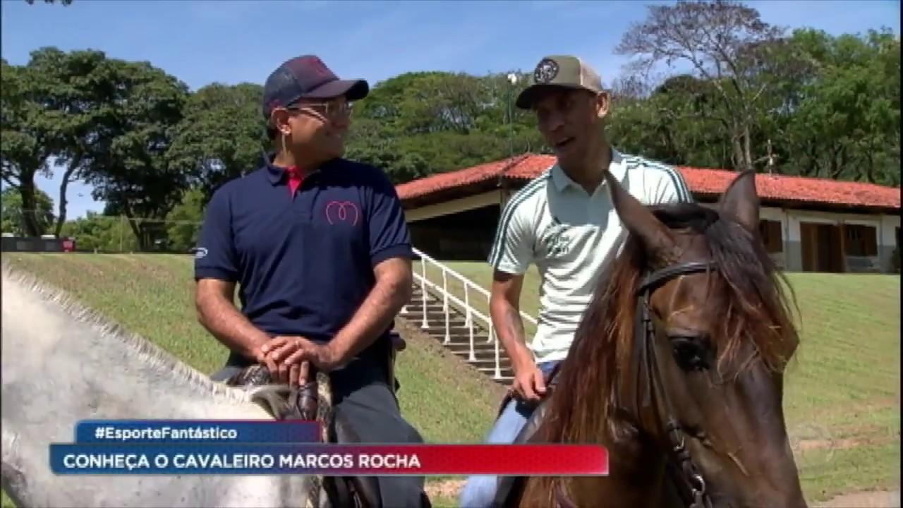 Download Marcos Rocha mostra o que faz quando está longe dos gramados