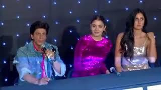 Shah Rukh Khan reacts on Deepika Padukone - Ranveer Singh and Priyanka Chopra - Nick Jonas's wedding