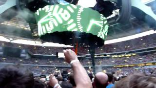 U2 - Space Oddity intro and Breathe Wembley Stadium (HD)14/08/2009