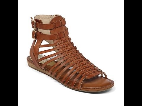 Vince Camuto Quot Kensil Quot Leather Gladiator Sandal Youtube