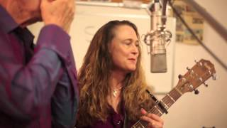 Johnette Downing and the Swamp Romp Band; The Crawfish Song