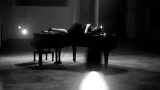 Play Frío (feat. Antonio Orozco)