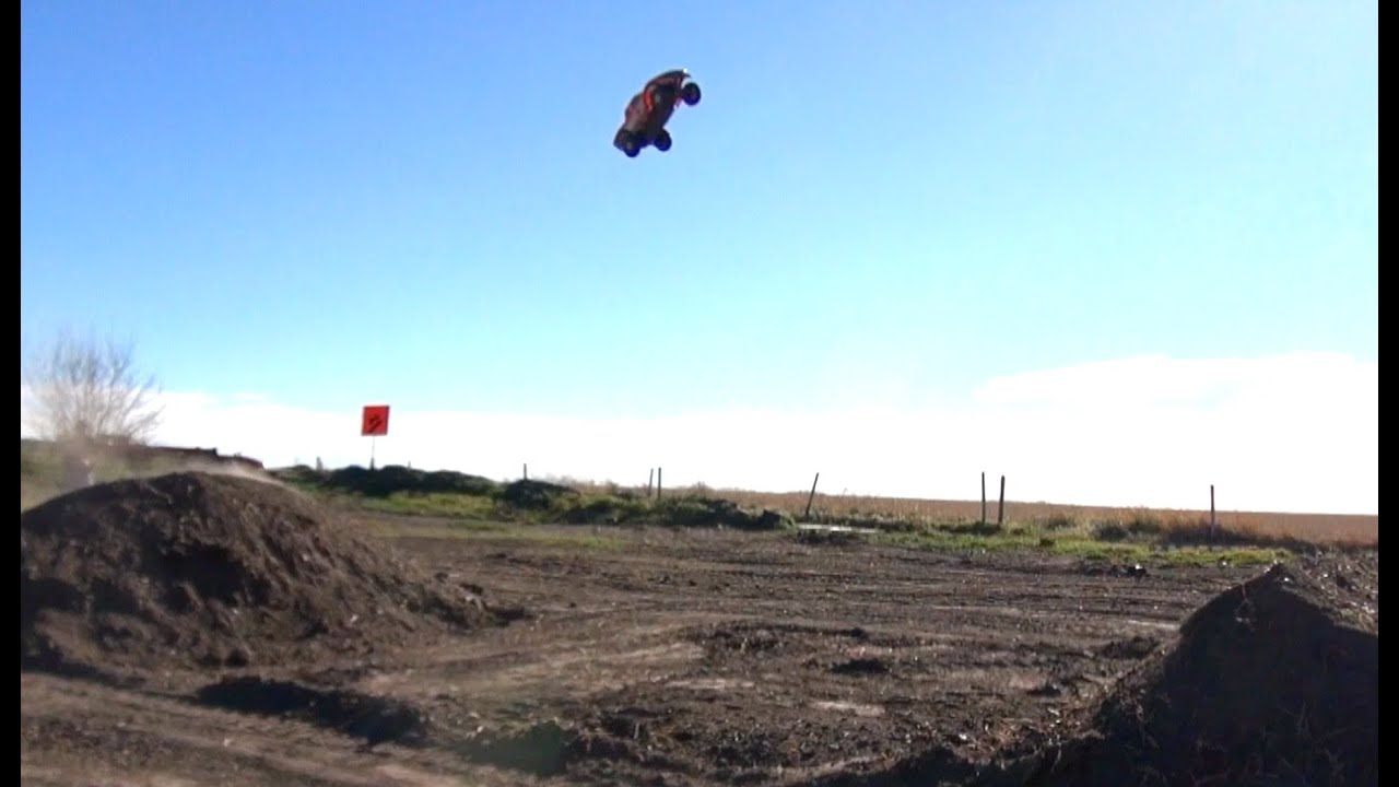 Rc Adventures Jumping A 20 Foot Gap Vaterra Ford