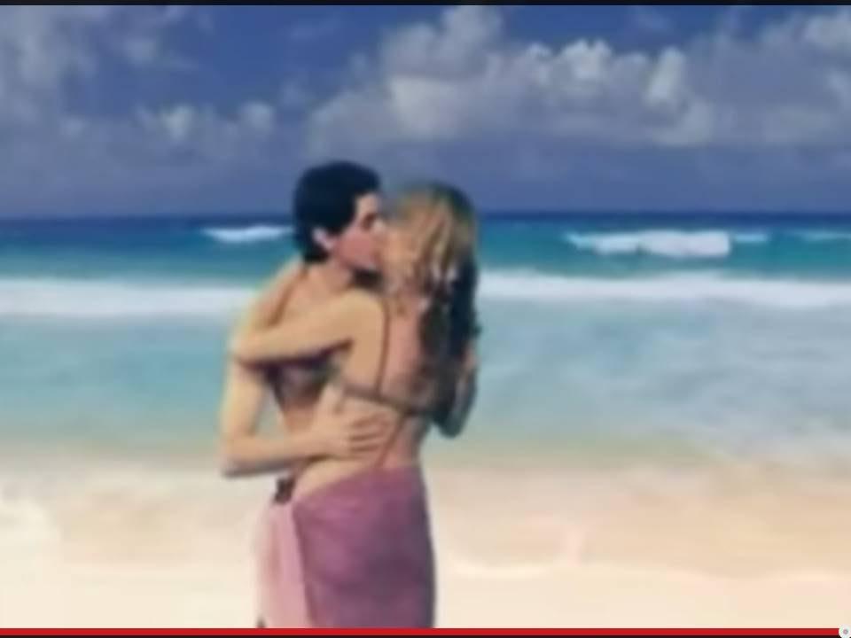 Девочка и девочка занимаются сексам видео