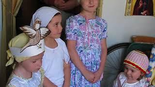 Архив. №41. Дом   инвалидов и радость Пасхи Христовой.  Поют дети.