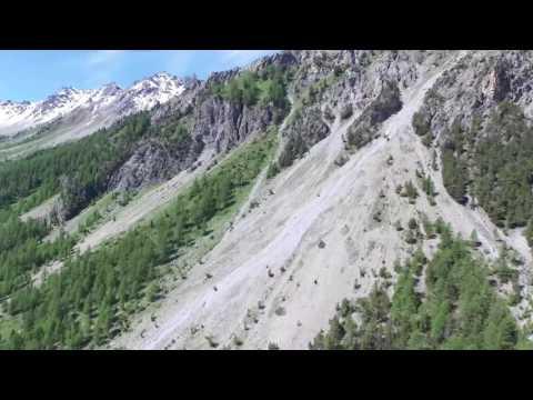 Paysages merveilleux dans les Hautes Alpes juin 2016