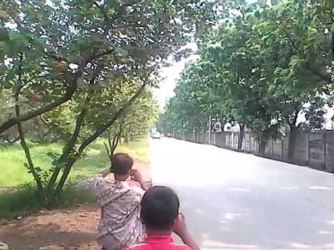Adu Telolet Mobil Avanza VS Bus Sinar Dempo di Poris