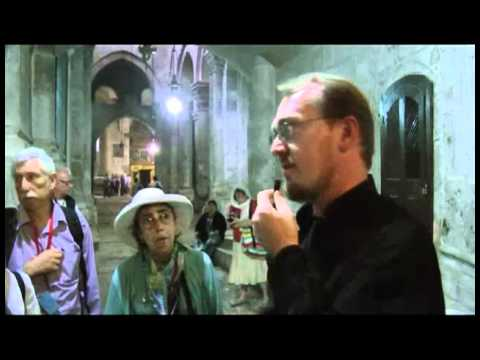 20101104-4 Jerusalem. Church of the Holy Sepulcher. The Tomb of Jesus.mp4