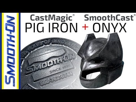 Gusseisen Metallic-Finish auf einem Batman Cosplay-Helm mit Cast Magic®