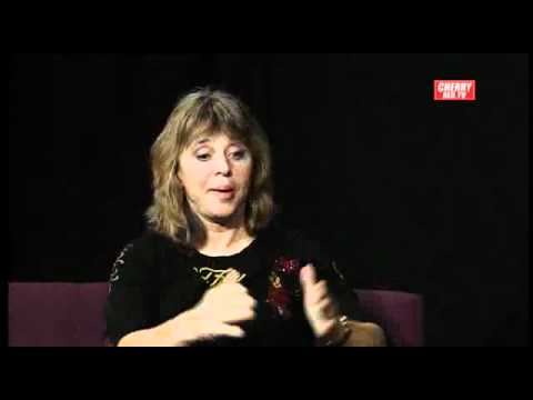 Suzi Quatro Story - Interview by Iain McNay - 2012