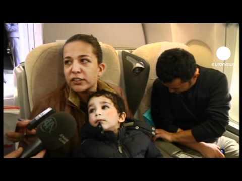 Turkey flies citizens home from Libya