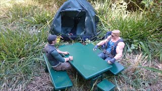 DIORAMA BUILDS TABLE , BENCHES AND STOOLS FOR THE CAMP-SITE SCALE 1.10