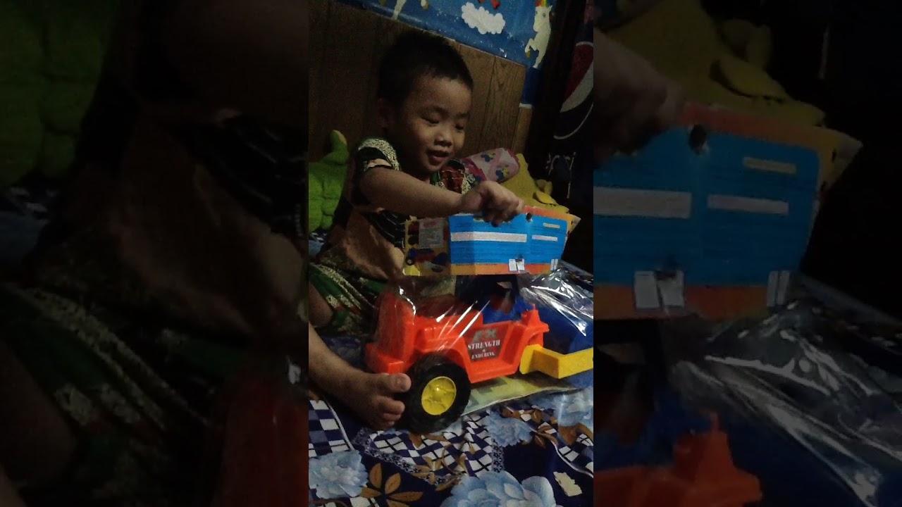 Xe lu đồ chơi