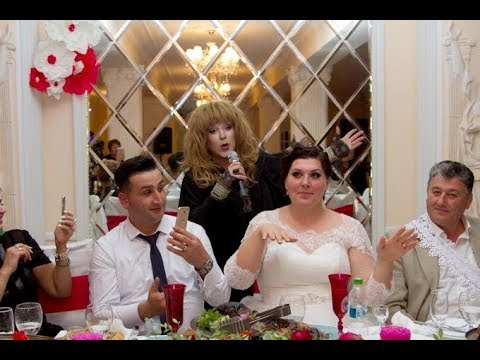 Оригинальное поздравление и подарок на свадьбу от родителей невесты