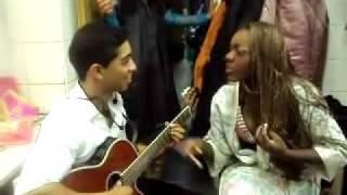 Ricardo Oliveira/ Dani mulata que samba muito e ainda canta Moscou RU