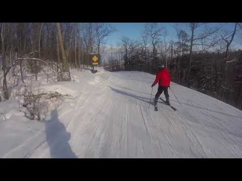 BLUE MOUNTAIN RESORT - INTENSE SKIING *CANADA*