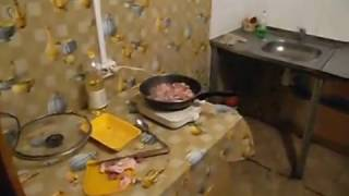 Общая кухня в общежитии на этаже, Аренда комнат в СПб, без комиссии 89219381065(По вопросам аренды квартиры, комнаты: Телефон 8-921-938-10-65; 8-981-890-93-45. В комнате вся необходимая мебель и бытовая..., 2015-12-08T21:14:00.000Z)